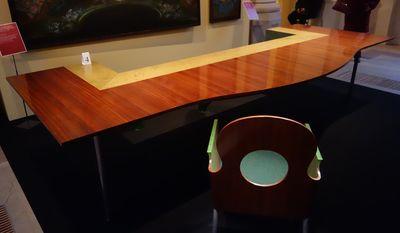 a tables avec le mobilier national. Black Bedroom Furniture Sets. Home Design Ideas